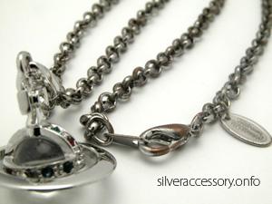 銀メッキのネックレス