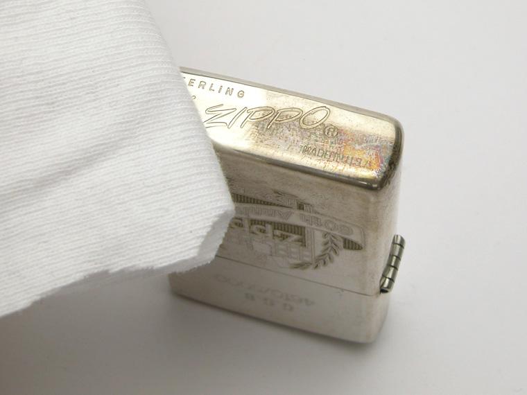 銀製品の手入れ:黒ずみを乾拭き