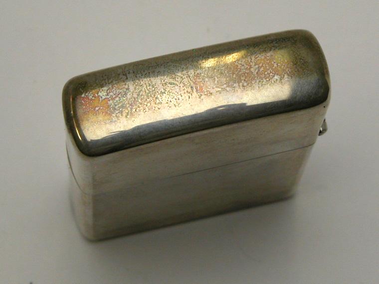 銀製品の手入れ:シルバー製ジッポーライターの上蓋の黒ずみ